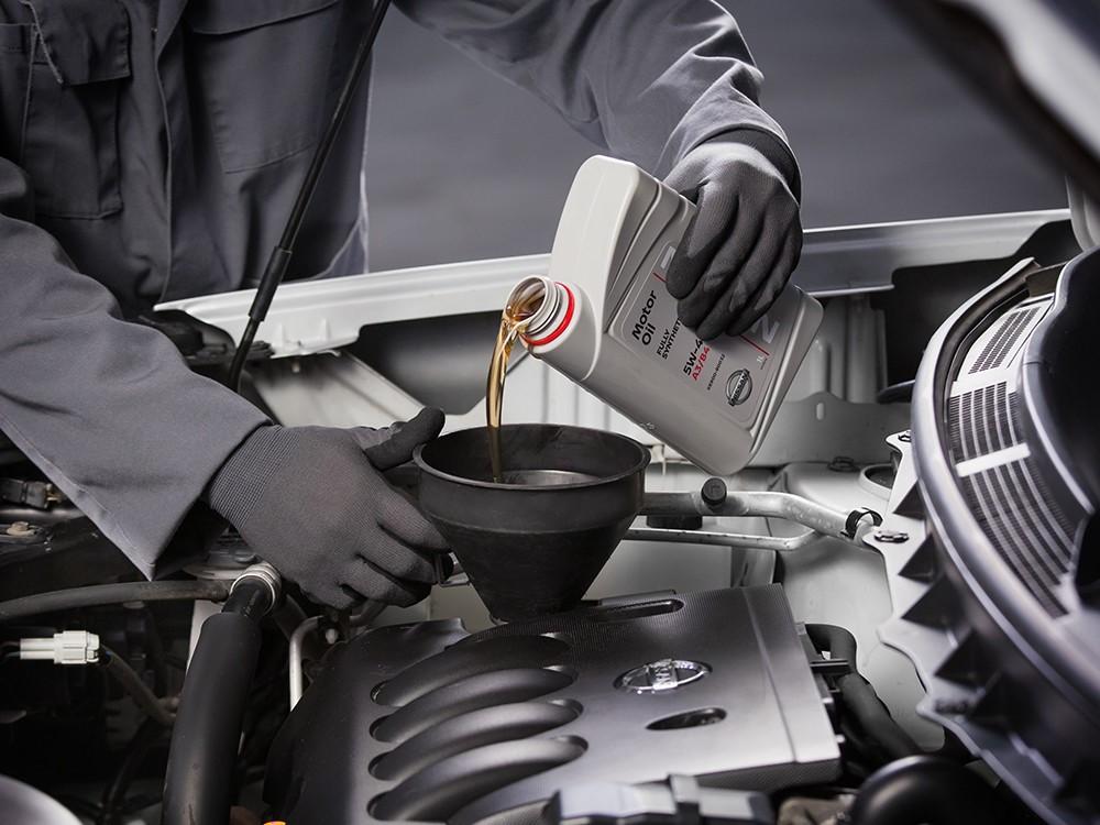 Заказать Акция на август: замена масла в двигателе в подарок! - Фото 1